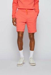 BOSS - HEADLO  - Shorts - open red - 0