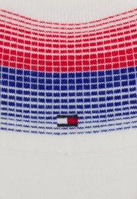 Tommy Hilfiger - WOMEN FOOTIE GRADIENT STRIPE 2 PACK - Trainer socks - blue - 1