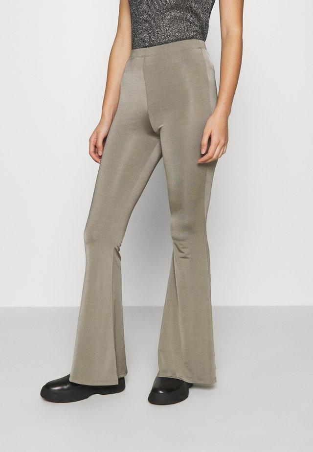 SLINKY FLARE - Leggings - Trousers - khaki