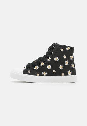 Sneakers alte - black/white