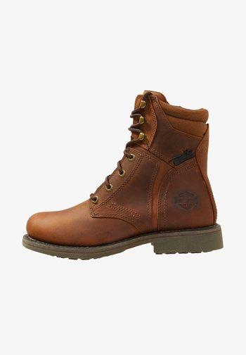 DARNEL - Cowboy/biker ankle boot - brown