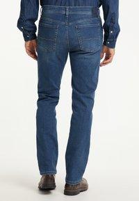 Pioneer Authentic Jeans - RANDO MEGAFLEX - Straight leg jeans - stone used - 2