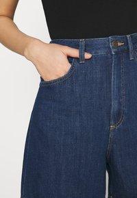 Lee - STELLA - Denim shorts - rinsed denim - 4