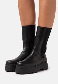 Pavement - AYA - Platform boots - black - 0