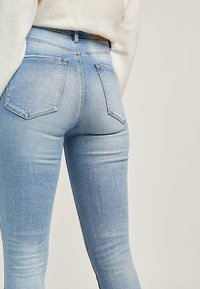 Stradivarius - Jeans Skinny Fit - light-blue denim - 3
