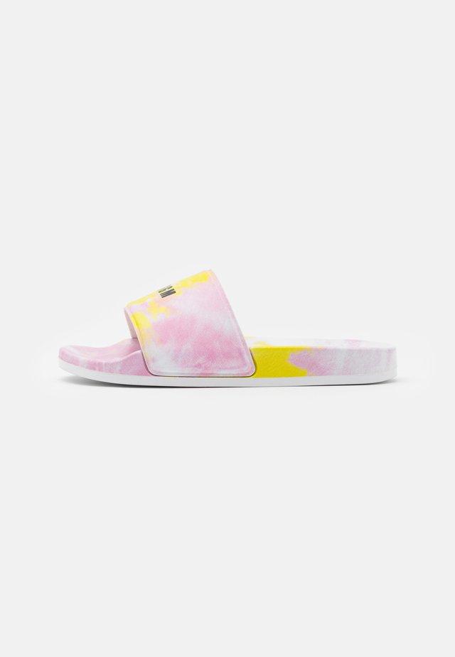 Muiltjes - light pink/yellow
