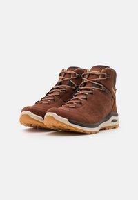 Lowa - LOCARNO GTX - Zapatillas de senderismo - mahogany - 1