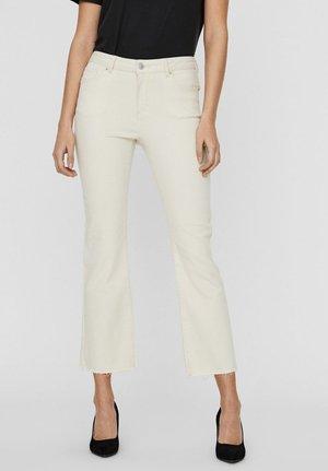 VMSHEILA  - Flared Jeans - birch