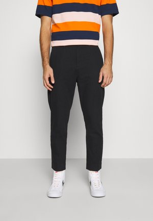 ARBUS TROUSERS - Chinos - black