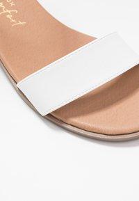 New Look Wide Fit - WIDE FIT POWER BLOCK HEEL - Sandaler - white - 2