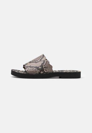 ESSIE FLAT - Pantofle - medium grey