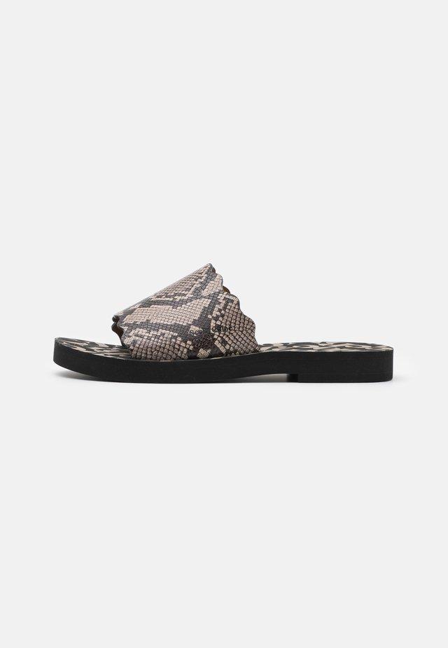 ESSIE FLAT - Pantolette flach - medium grey