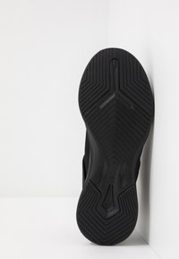Puma - RADIATE XT PATTERN WN'S - Zapatillas de entrenamiento - black/metallic gold - 4