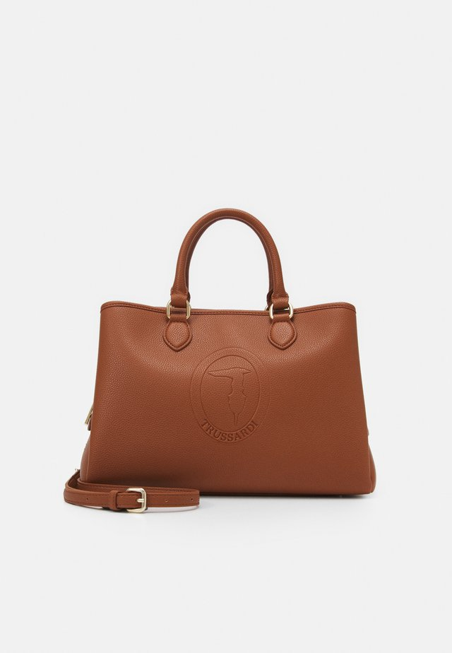 IRIS TOTE STAMPA CERVO SET - Handbag - brown