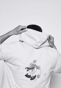 Holzweiler - GARBERA HOODIE - Sweatshirt - light grey - 4