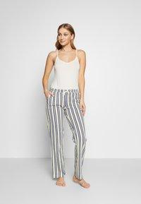 s.Oliver - Pyjama top - creme - 1