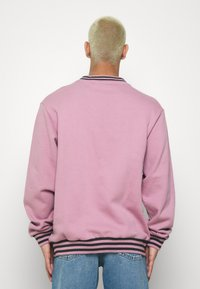 Kickers Classics - PIPED CREWNECK  - Sweatshirt - pink - 2