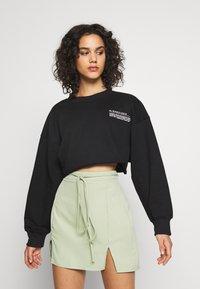 Missguided - CROPPED RAW HEM - Sweatshirt - black - 0