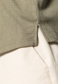 Opus - SELUM - Basic T-shirt - soft moss - 4