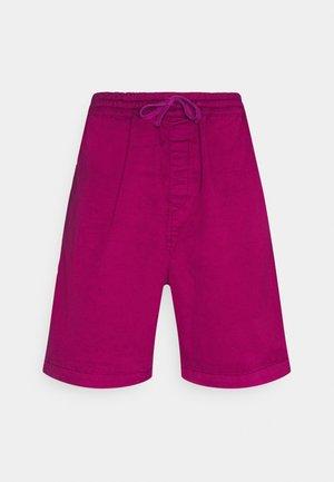 LAWTON VESTAL - Shorts - tulip