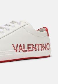 Valentino by Mario Valentino - Zapatillas - white/red - 6