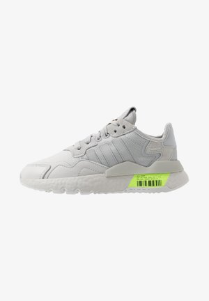 NITE JOGGER - Joggesko - grey one/grey two/signal green