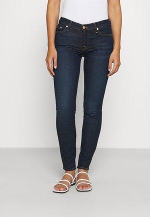 CROP BAIR RINSED EXTENDED SIZES - Jeans Skinny Fit - dark blue