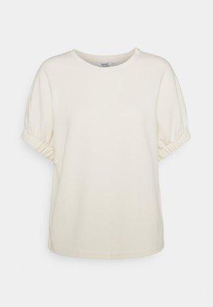 T-shirts - birch