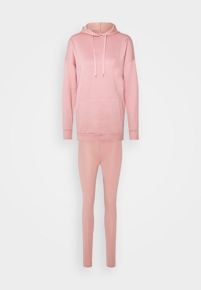 ONLBJÖRK LOUNGEWEAR  - Piżama - blush