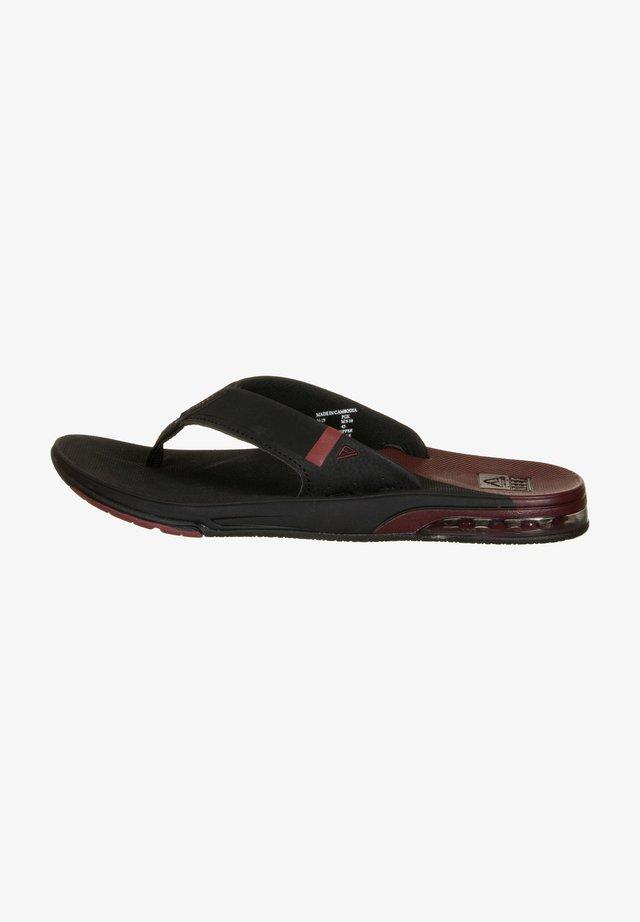 T-bar sandals - black /mrust fanning low
