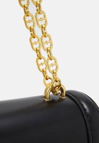 Love Moschino - SCARFED SHOULDER BAG - Sac bandoulière - nero - 5