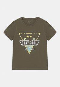 Name it - NMMVUX 2 PACK - Print T-shirt - ivy green - 2