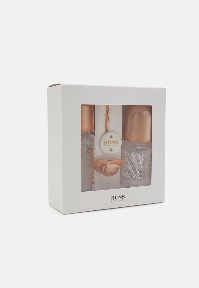 BOTTLE SET UNISEX - Baby gifts - copper