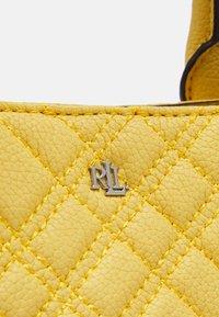 Lauren Ralph Lauren - PLAID QUILTD PEBBLE MARCY - Handbag - beach yellow - 5