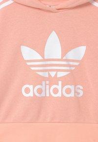 adidas Originals - CROPPED HOODIE - Felpa - haze coral/white - 2