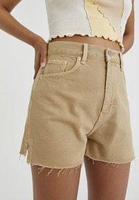 PULL&BEAR - Denim shorts - mottled beige - 3