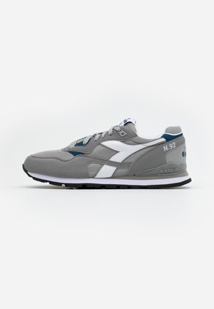 N.92 - Sneakersy niskie - paloma grey/white