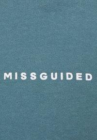 Missguided Petite - CROPPED HOODIE - Hoodie - light blue - 2