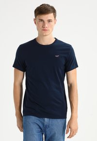 Hollister Co. - CREW CHAIN 3 PACK - Basic T-shirt - white/grey/navy - 4