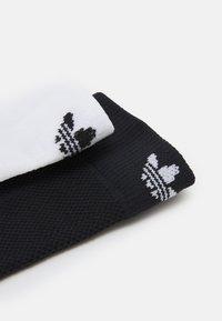 adidas Originals - 2 PACK UNISEX - Sokken - black/white - 1
