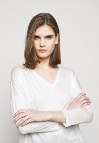 DRYKORN - VENJA - Long sleeved top - ecru - 3