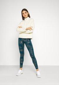Nike Sportswear - TIGHT - Leggings - Trousers - valerian blue - 1