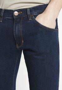 Wrangler - BRYSON - Jeans Skinny Fit - dark-blue denim - 3
