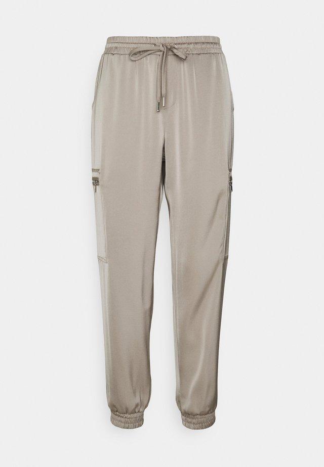 HULVELA - Pantalon classique - cement