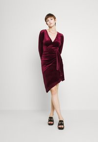 TFNC - RHYS DRESS - Shift dress - burgundy - 1
