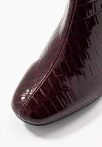 Miss Selfridge Wide Fit - WIDE FIT BRIXTON ZIP BACK SQUARE TOE - Ankle boots - burgandy - 2