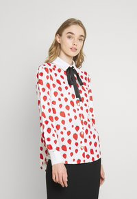 Sister Jane - STRAWBERRY COURT BOW SHIRT - Button-down blouse - red - 0