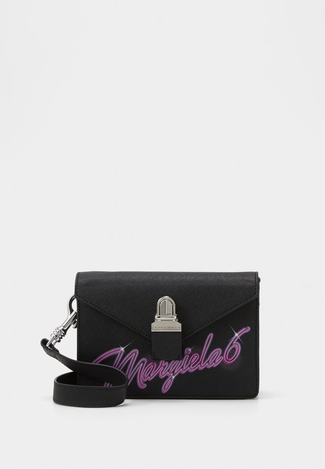 LOGO NEON ON TUC BAG SMALL - Sac banane - black