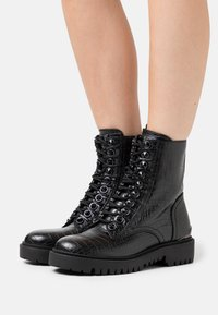 Guess - OXANA - Lace-up ankle boots - black - 0