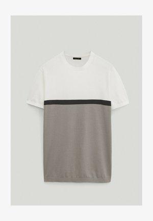 MIT FARBBLÖCKEN  - Print T-shirt - dark grey
